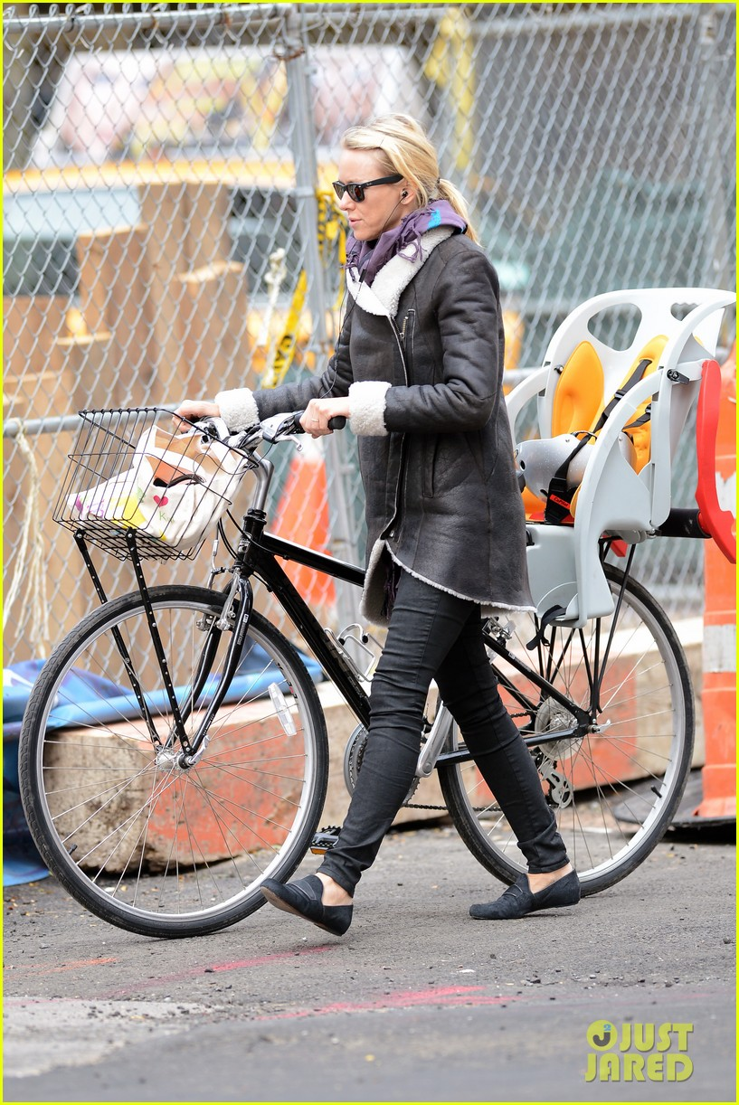 naomi watts bike ride in big apple 192739928