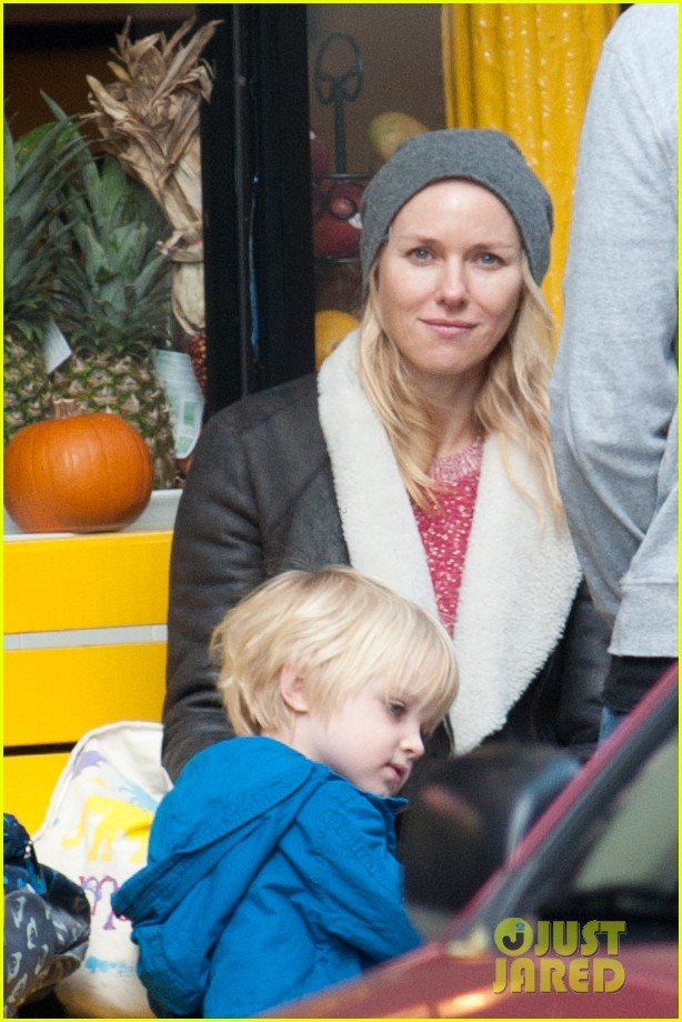 naomi watts liev schreiber big apple soccer afternoon with kids 052740550