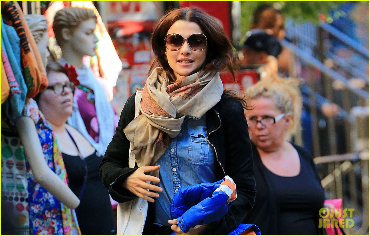 rachel weisz on the move in nyc 03