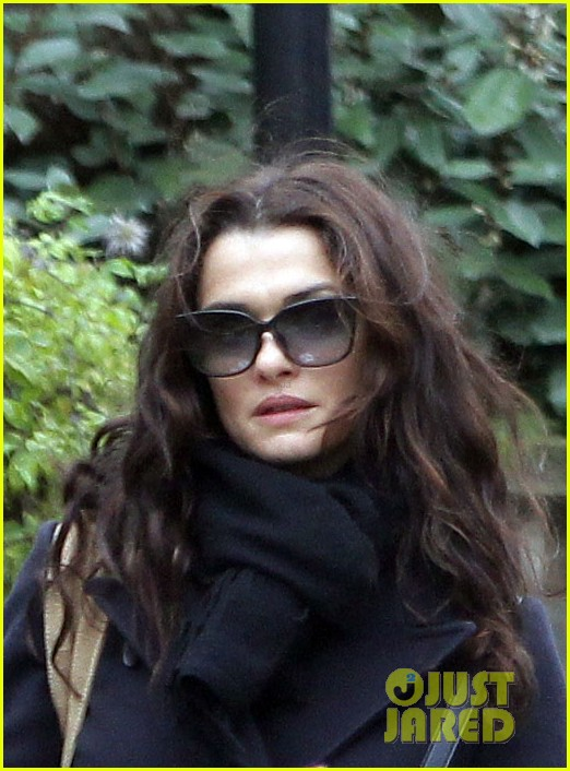 rachel weisz whole foods smoothie stop 04