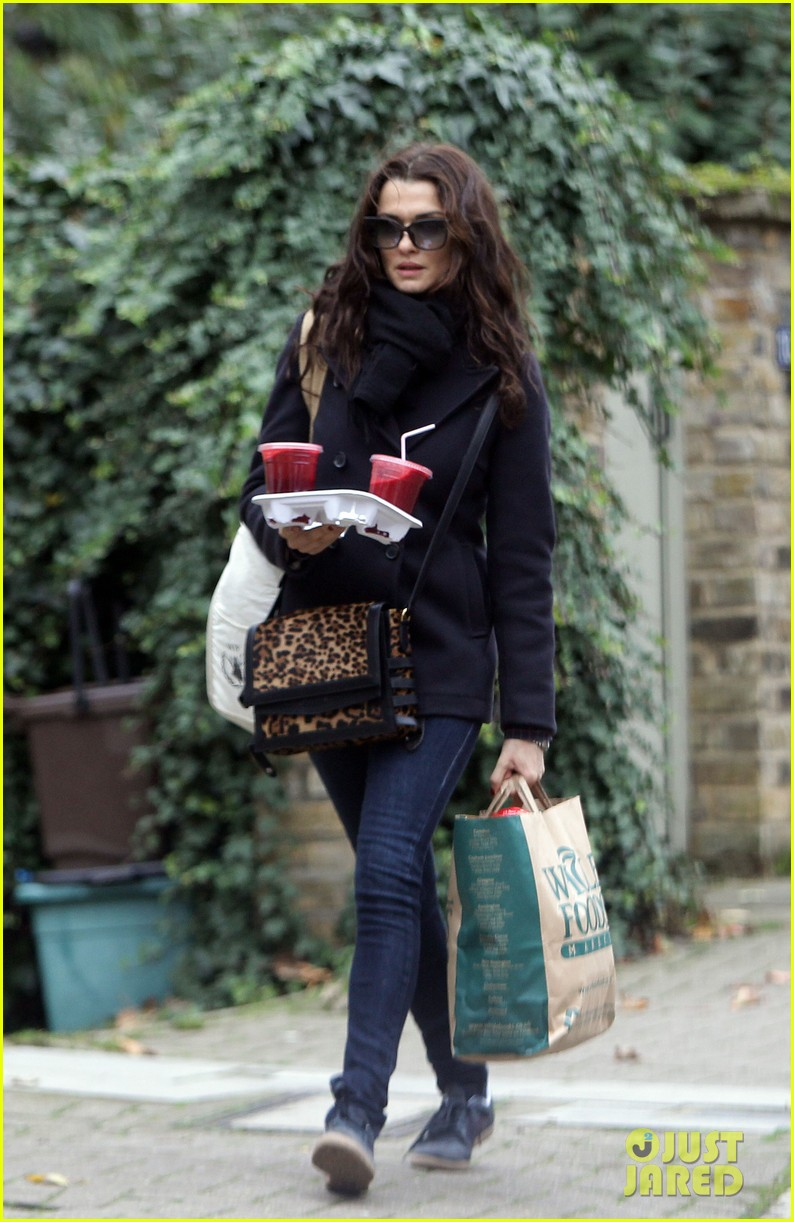 rachel weisz whole foods smoothie stop 14