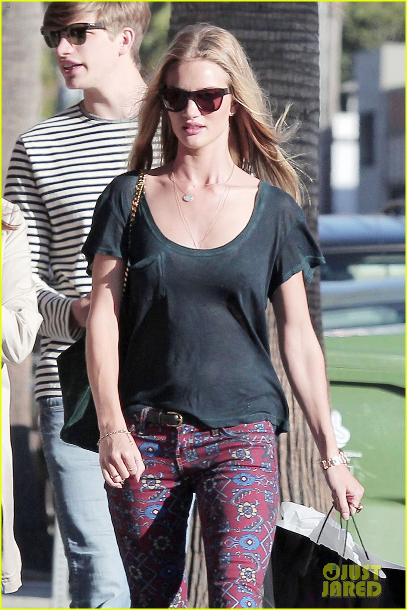 rosie huntington whiteley retail therapy outing 032743997