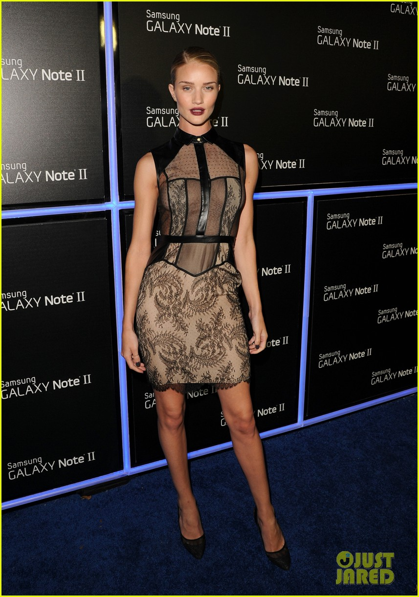 rosie huntington whiteley samsung galaxy launch party 02