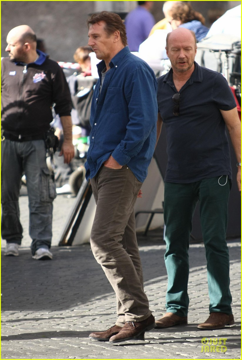 olivia wilde the third person set with liam neeson 12