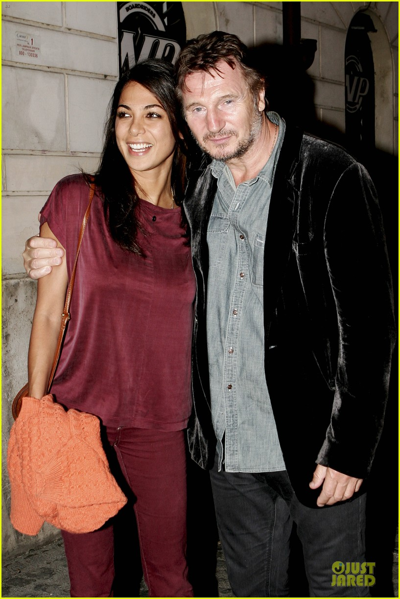 olivia wilde the third person set with liam neeson 23