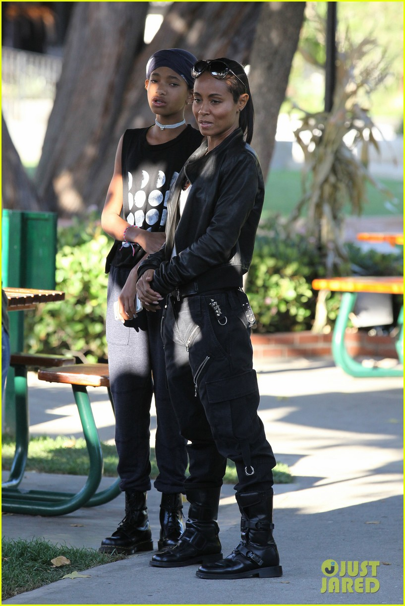 willow smith tra di noi lunch with mom jada 102739778