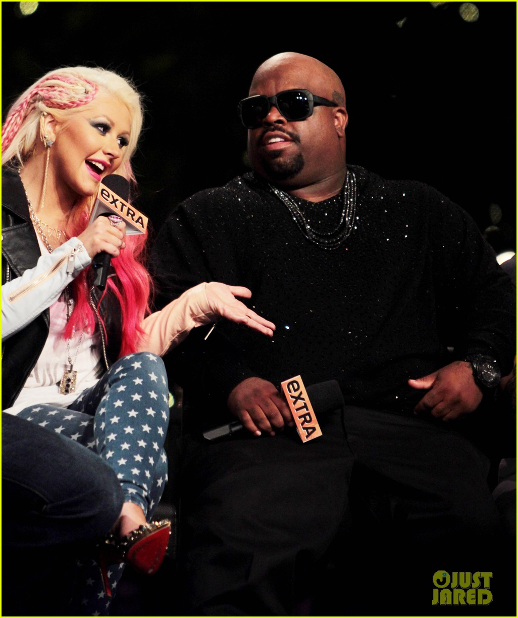 christina aguilera the voice at the grove 13
