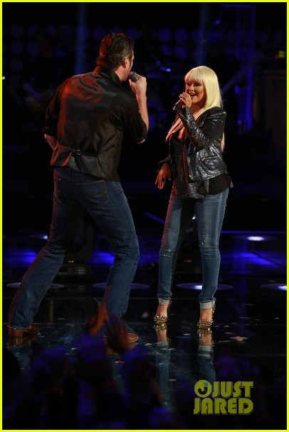 christina aguilera blake shelton just a fool performance on the voice 142761293