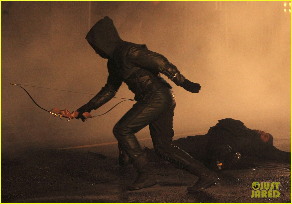 stephen amell arrow fight scenes 28