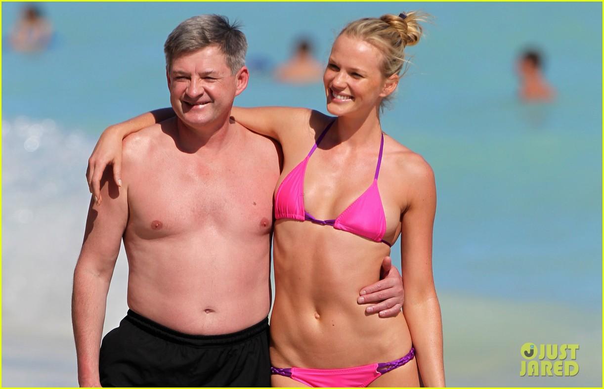 anne v bikini beach beauty 03