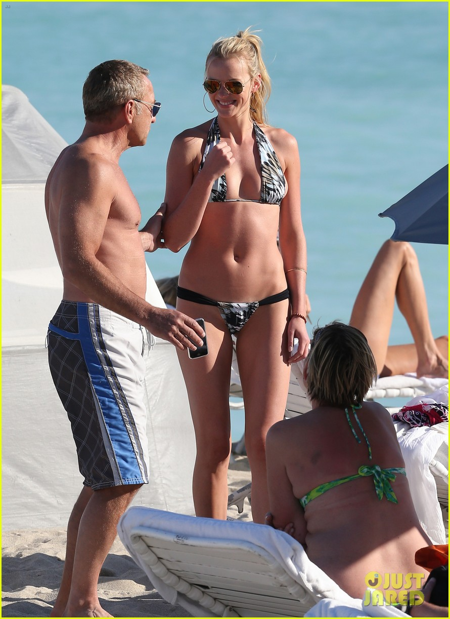 anne v dual bikinis in miami beach 09