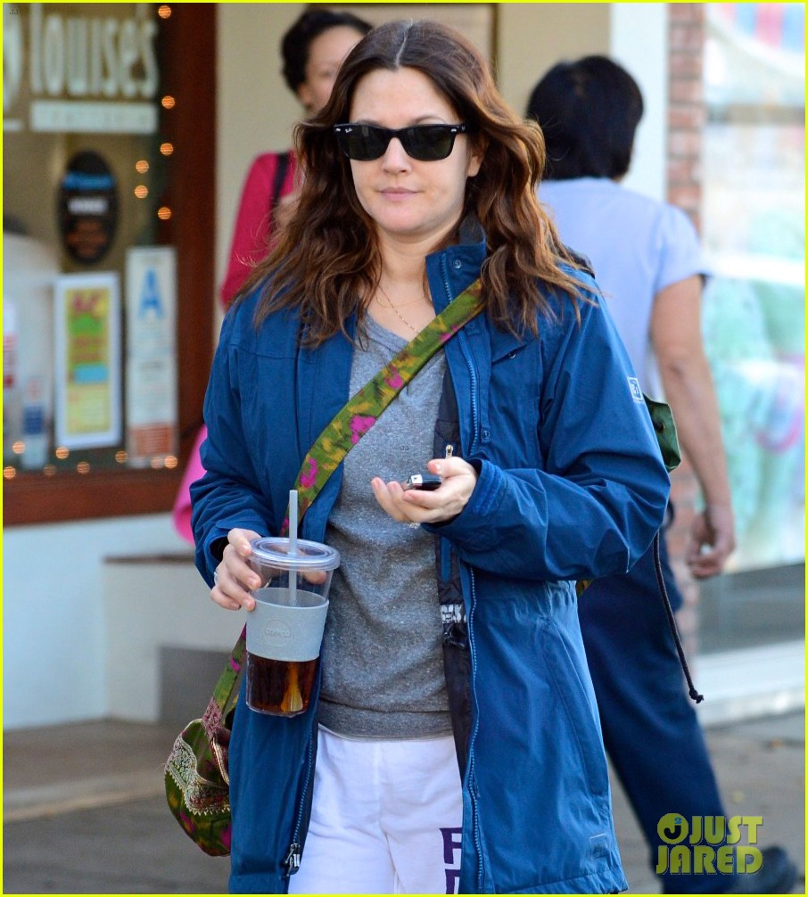 drew barrymore los angeles stroll 01