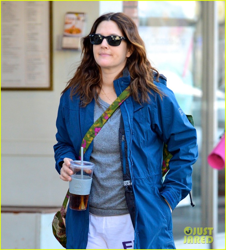 drew barrymore los angeles stroll 04