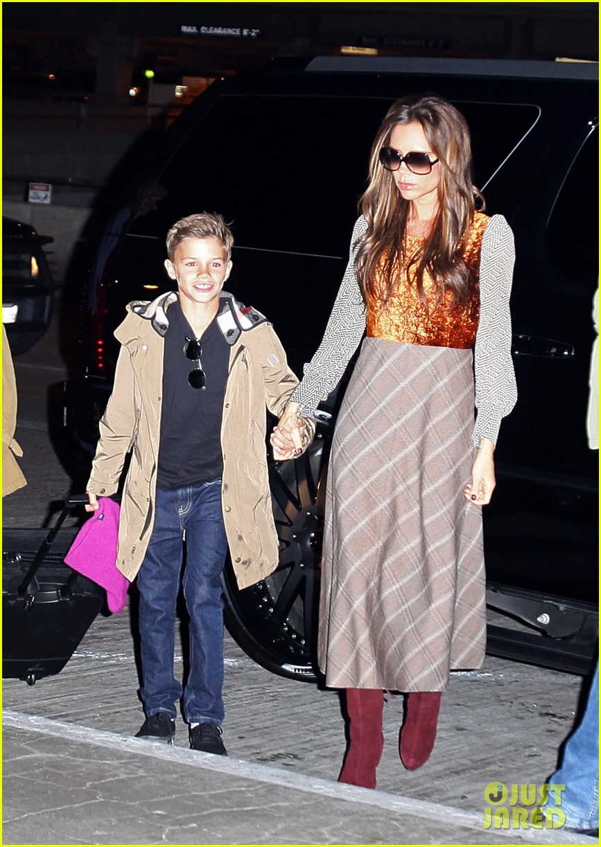 david victoria beckham depart lax with kids 03