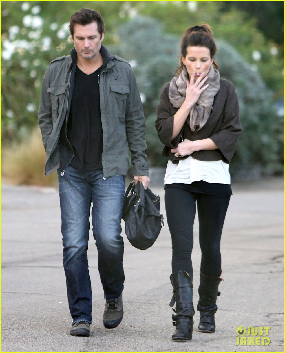 kate beckinsale family football game 172755295