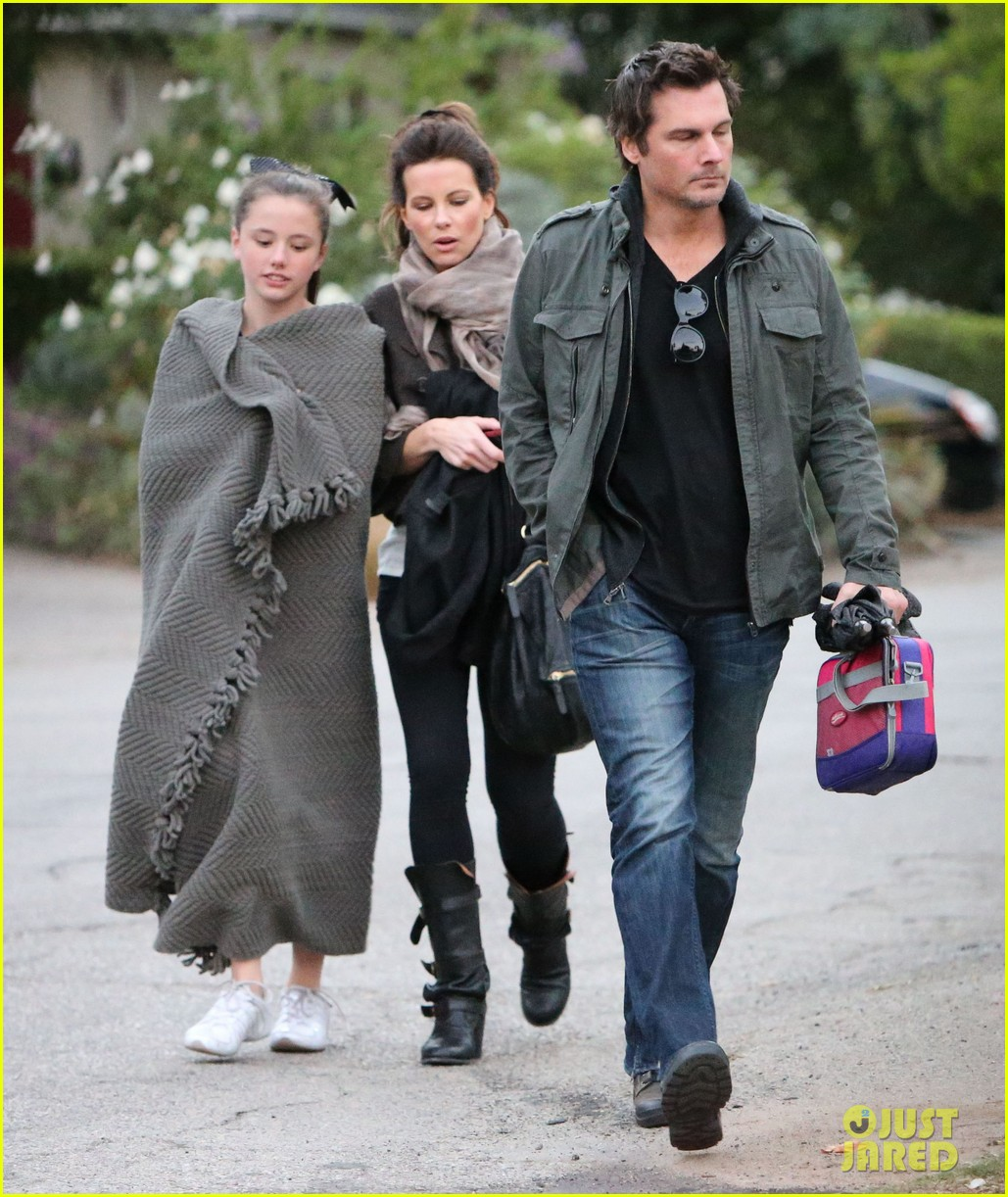 kate beckinsale family football game 20