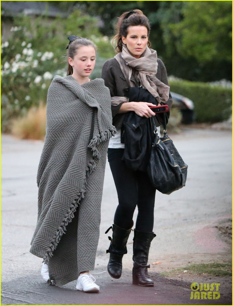 kate beckinsale family football game 22