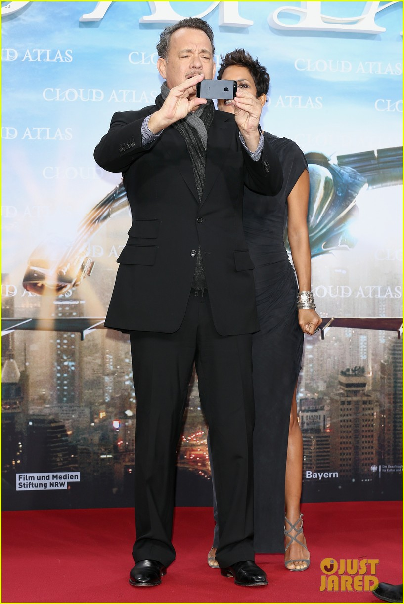 halle berry tom hanks cloud atlas berlin premiere 09