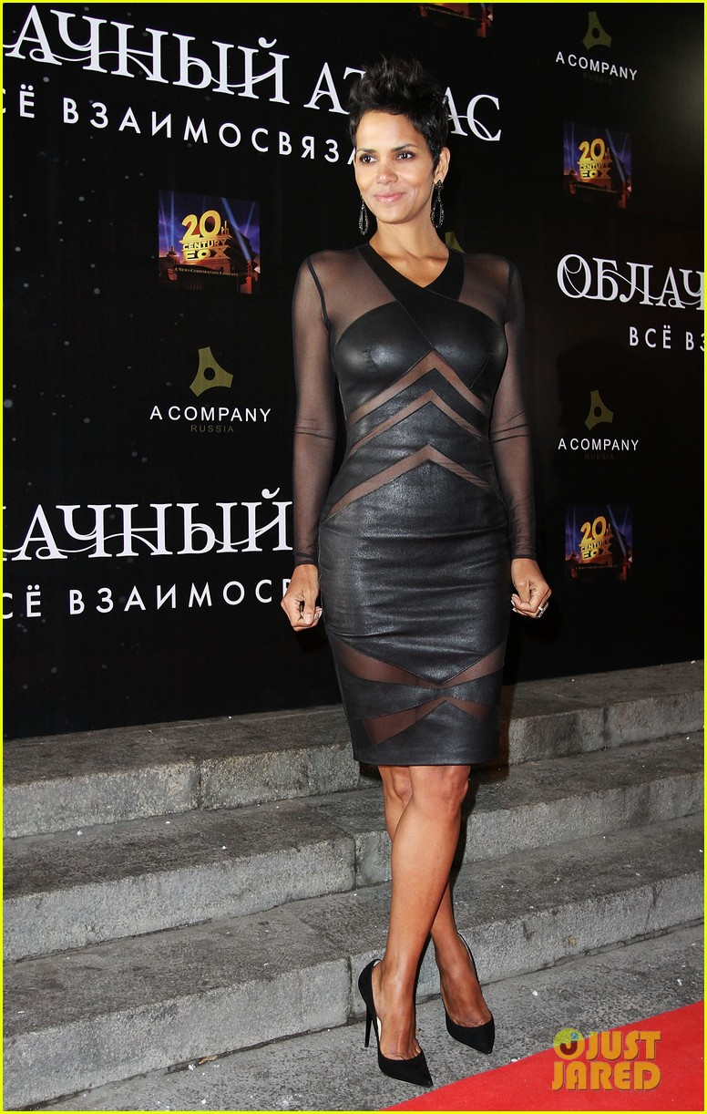 halle berry cloud atlas moscow premiere photo call 052749787