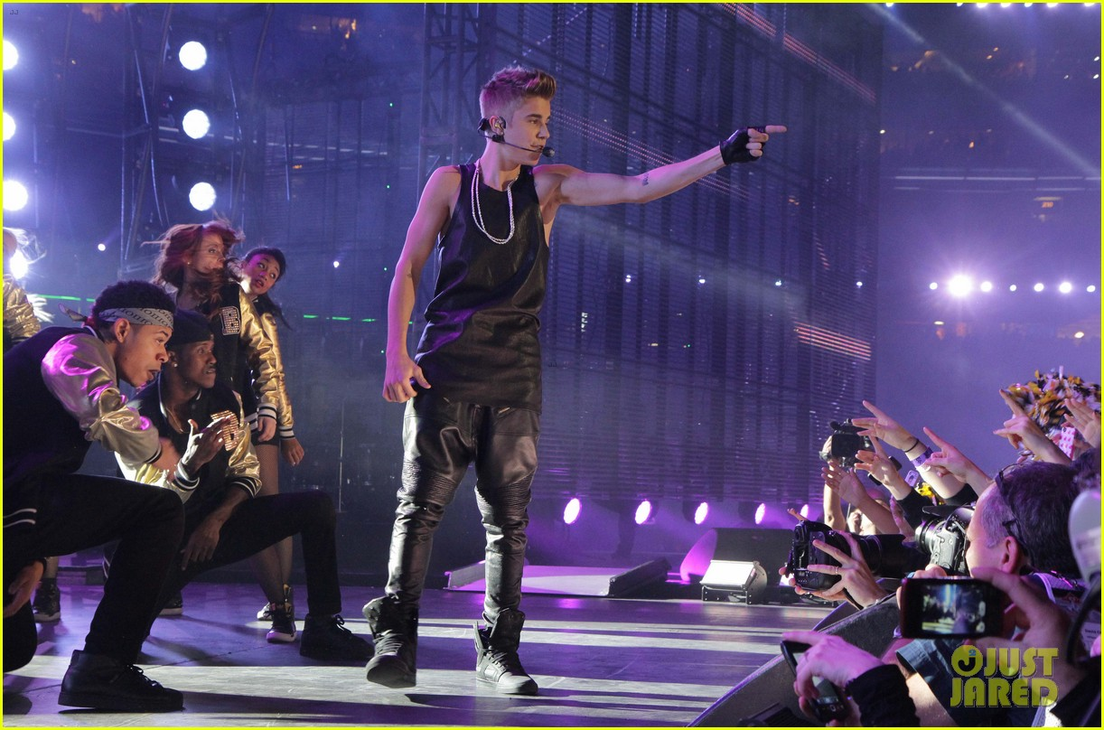 justin bieber grey cup performance watch now 22