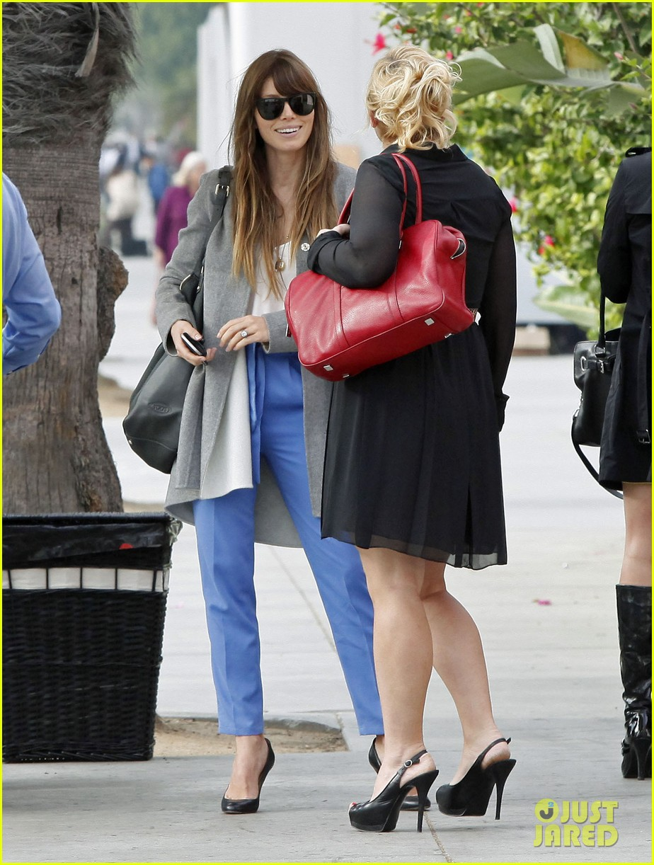 jessica biel ivy by the shore lunch 07