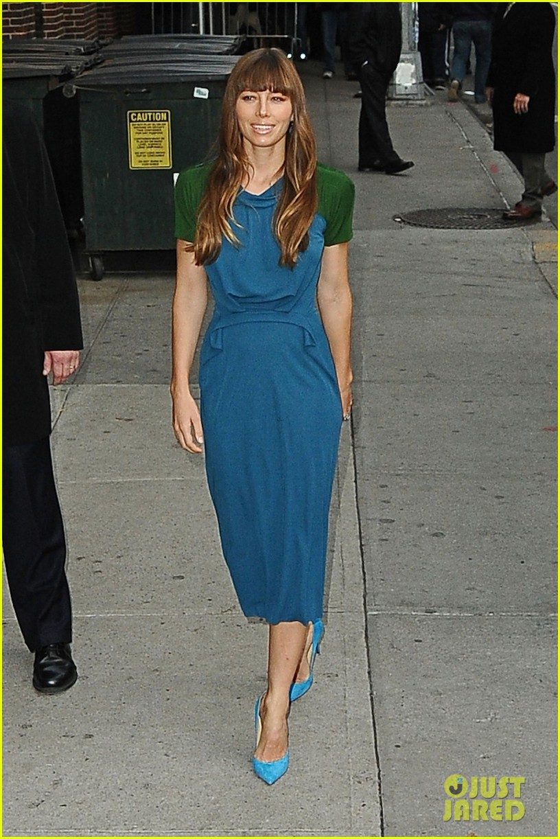 jessica biel promotes hitchock on letterman 06
