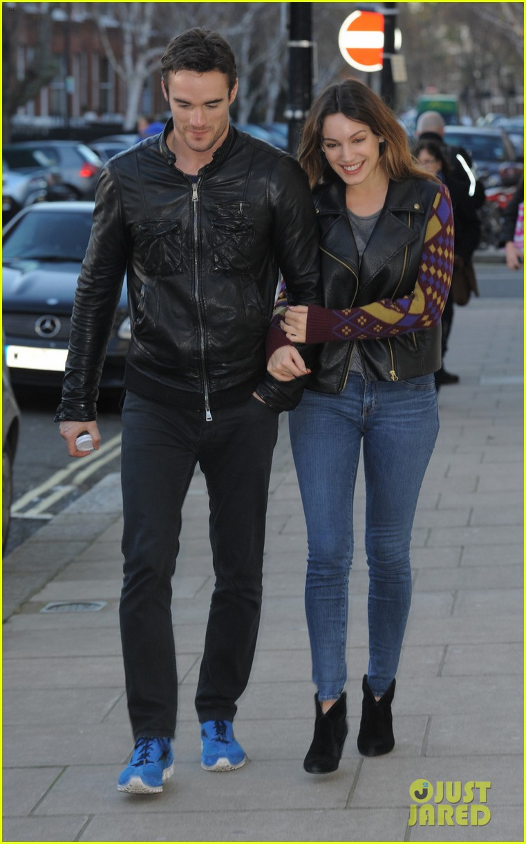 kelly brook birthday stroll with boyfriend 062762987