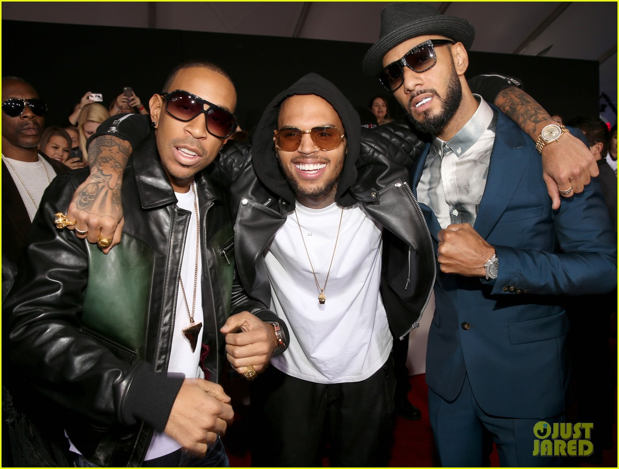 chris brown ludacris swizz beatz amas performance 03