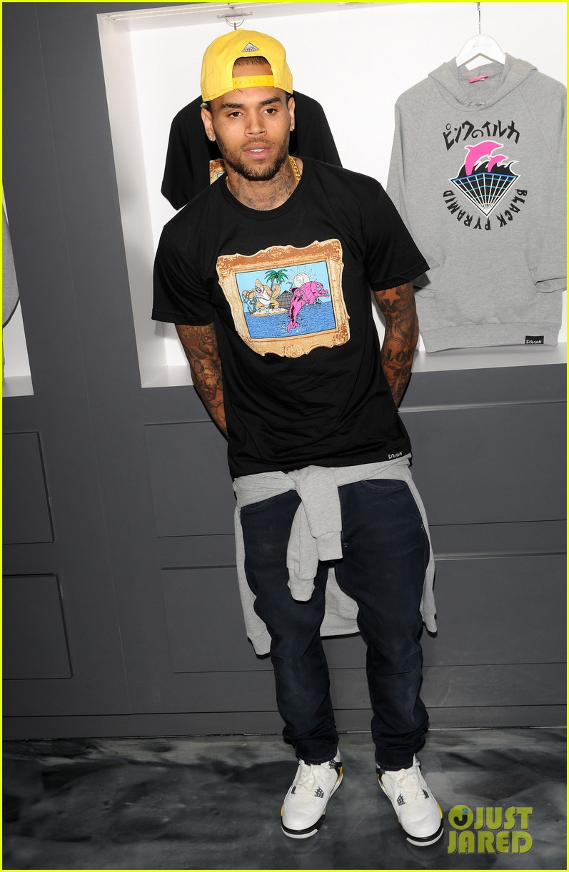 chris brown pink dolphin in store meet and greet122753500