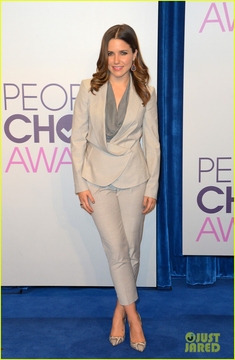 sophia bush peoples choice awards 2013 nominations announcement 01