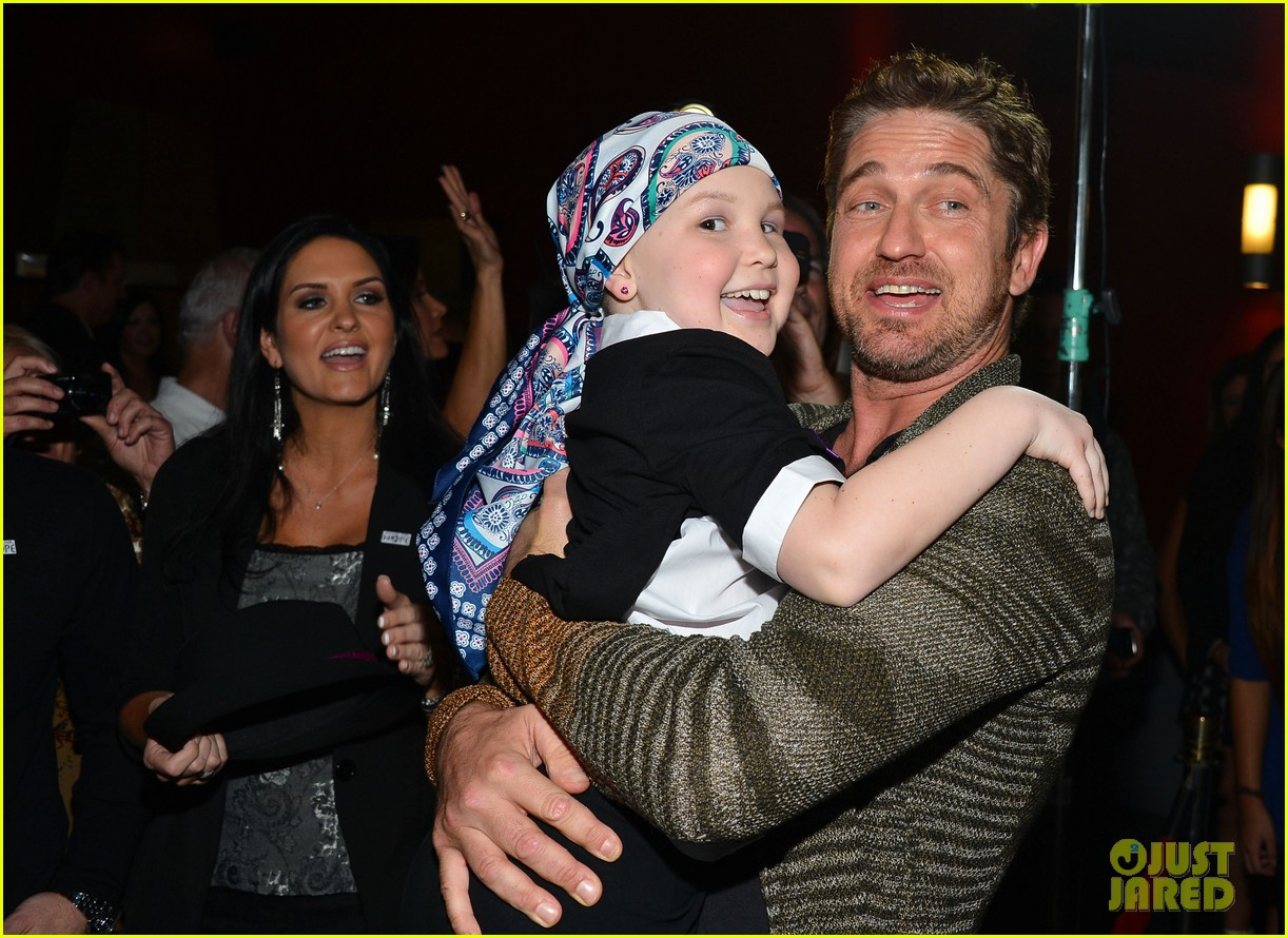 gerard butler playing for keeps childrens hospital screening 18