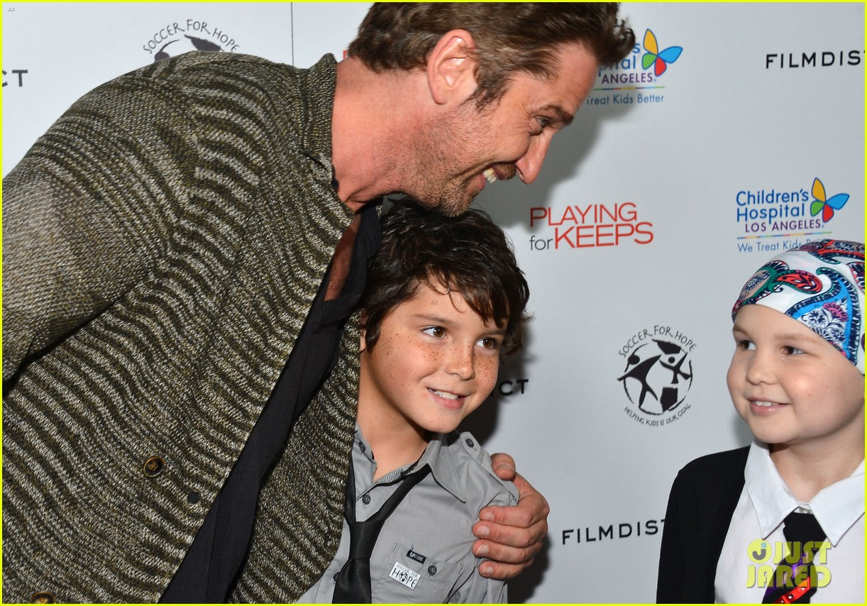gerard butler playing for keeps childrens hospital screening 22