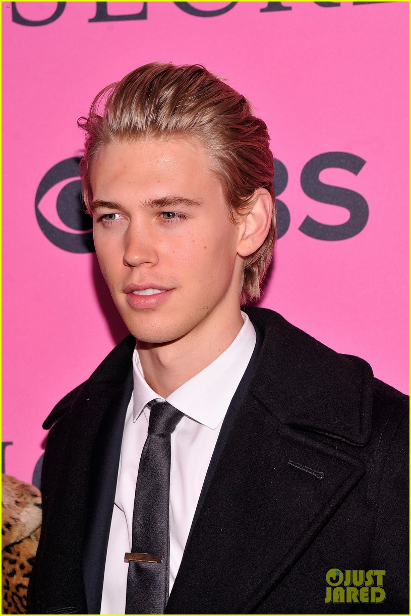 vanessa hudgens rolling stone party with austin butler 06