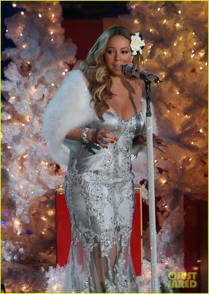 mariah carey rockefeller center tree lighting performance 27