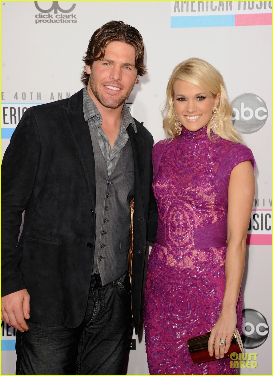 carrie underwood amas red carpet 05