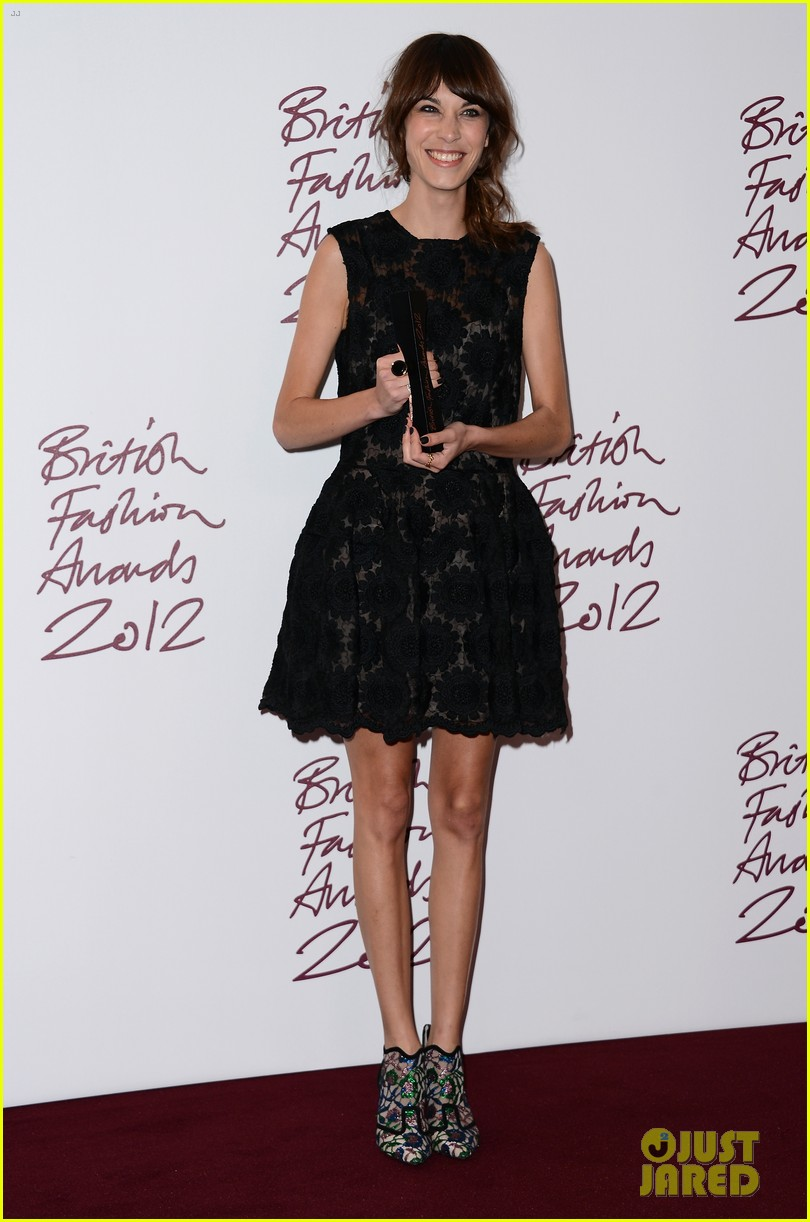 alexa chung cara delevingne british fashion awards winners 012764802