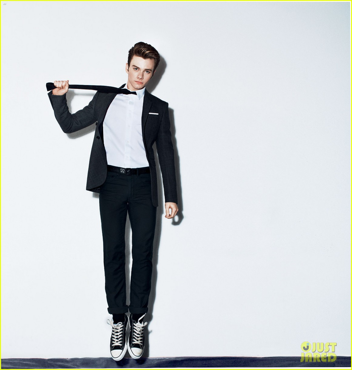 chris colfer zachary quinto details mag mavericks 02