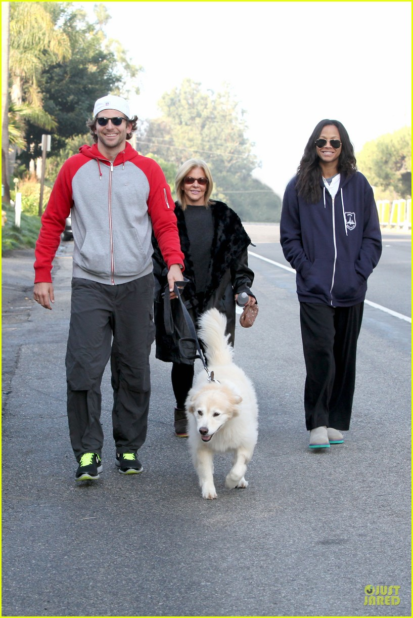 bradley cooper zoe saldana thanksgiving day outing 01