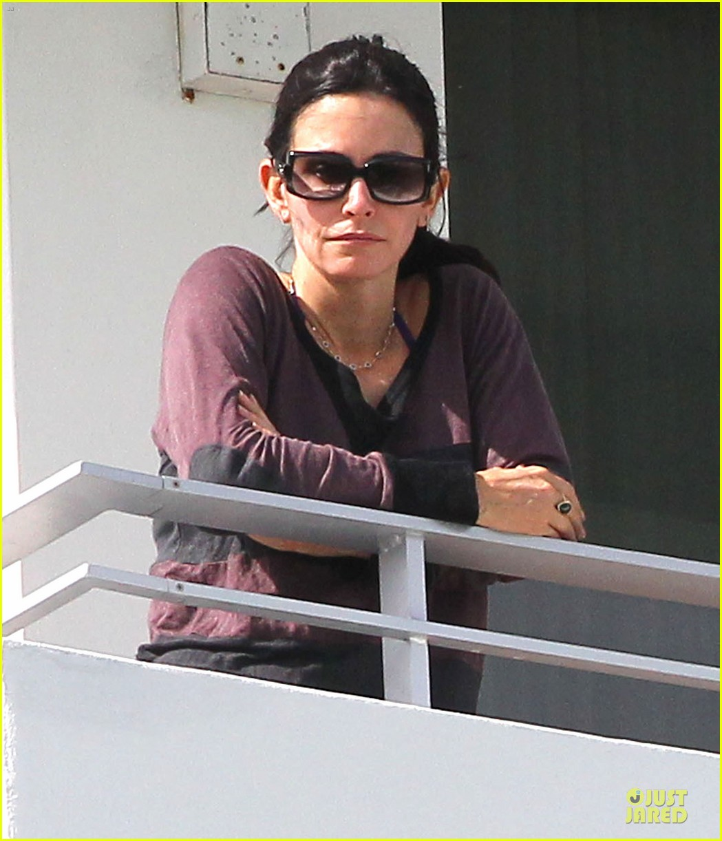 courteney cox miami bikini mama 02