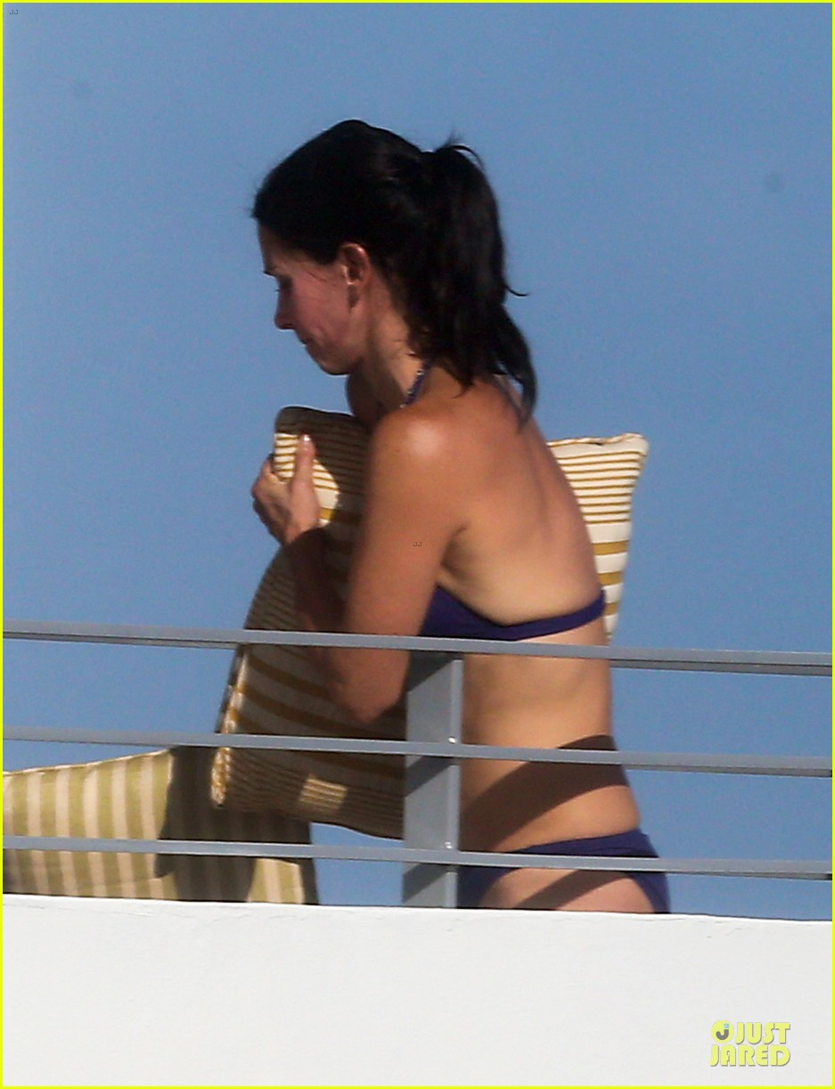 courteney cox miami bikini mama 162761014