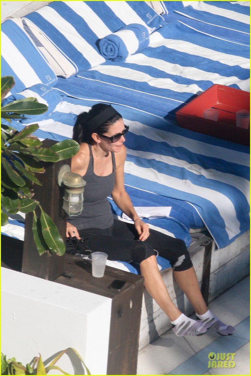 courteney cox miami bikini mama 27