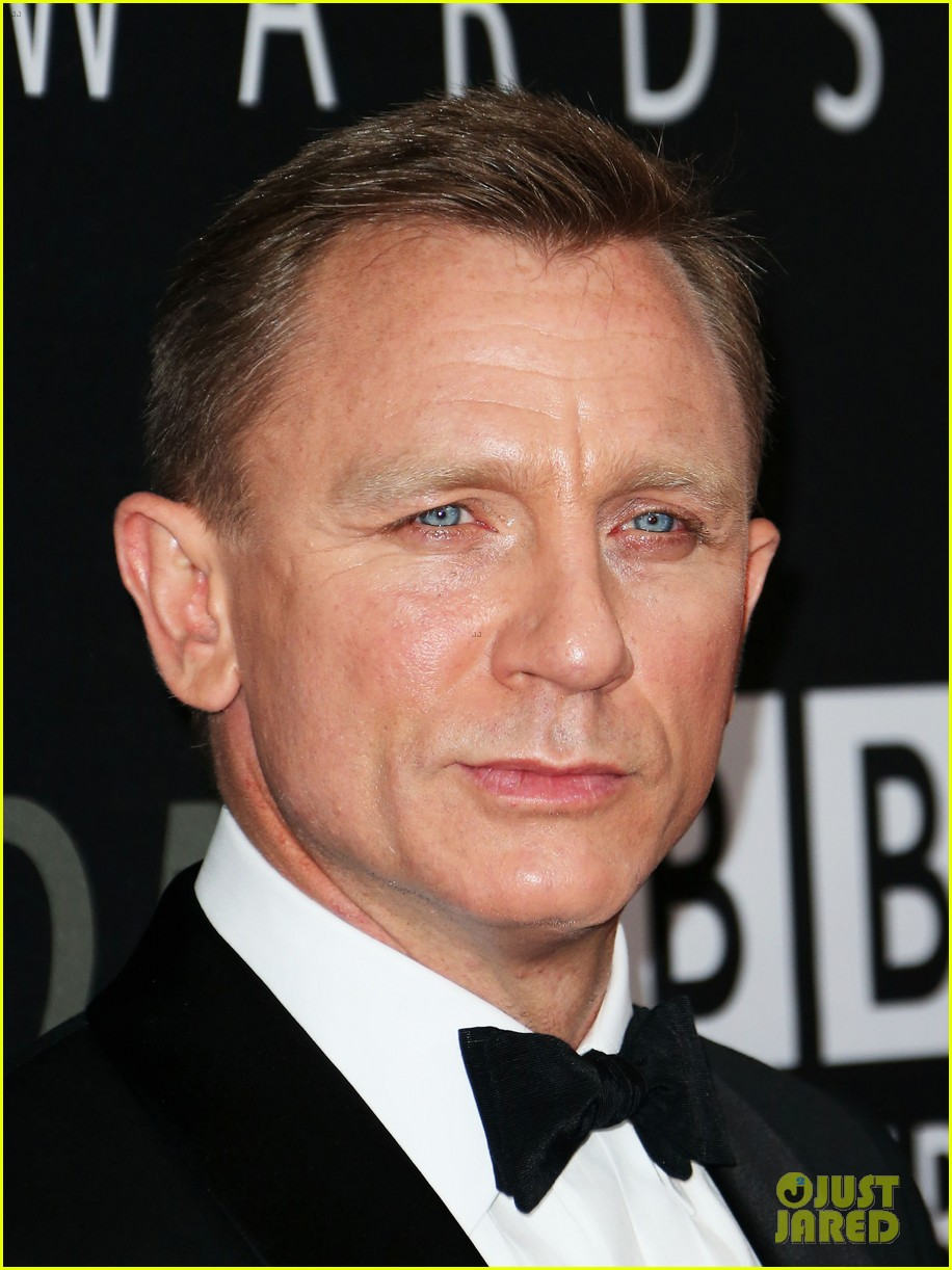 daniel craig bafta britannia awards with skyfall cast 06
