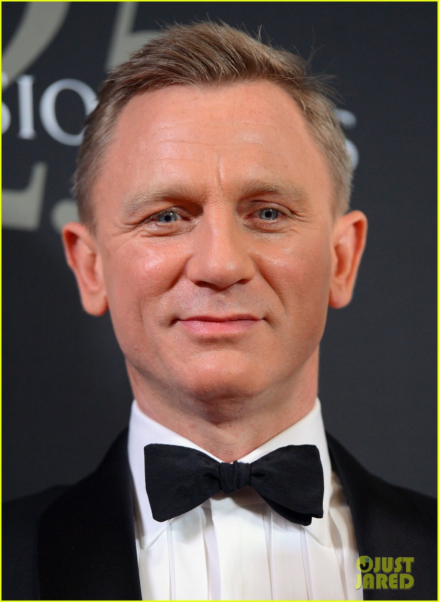 daniel craig bafta britannia awards with skyfall cast 14