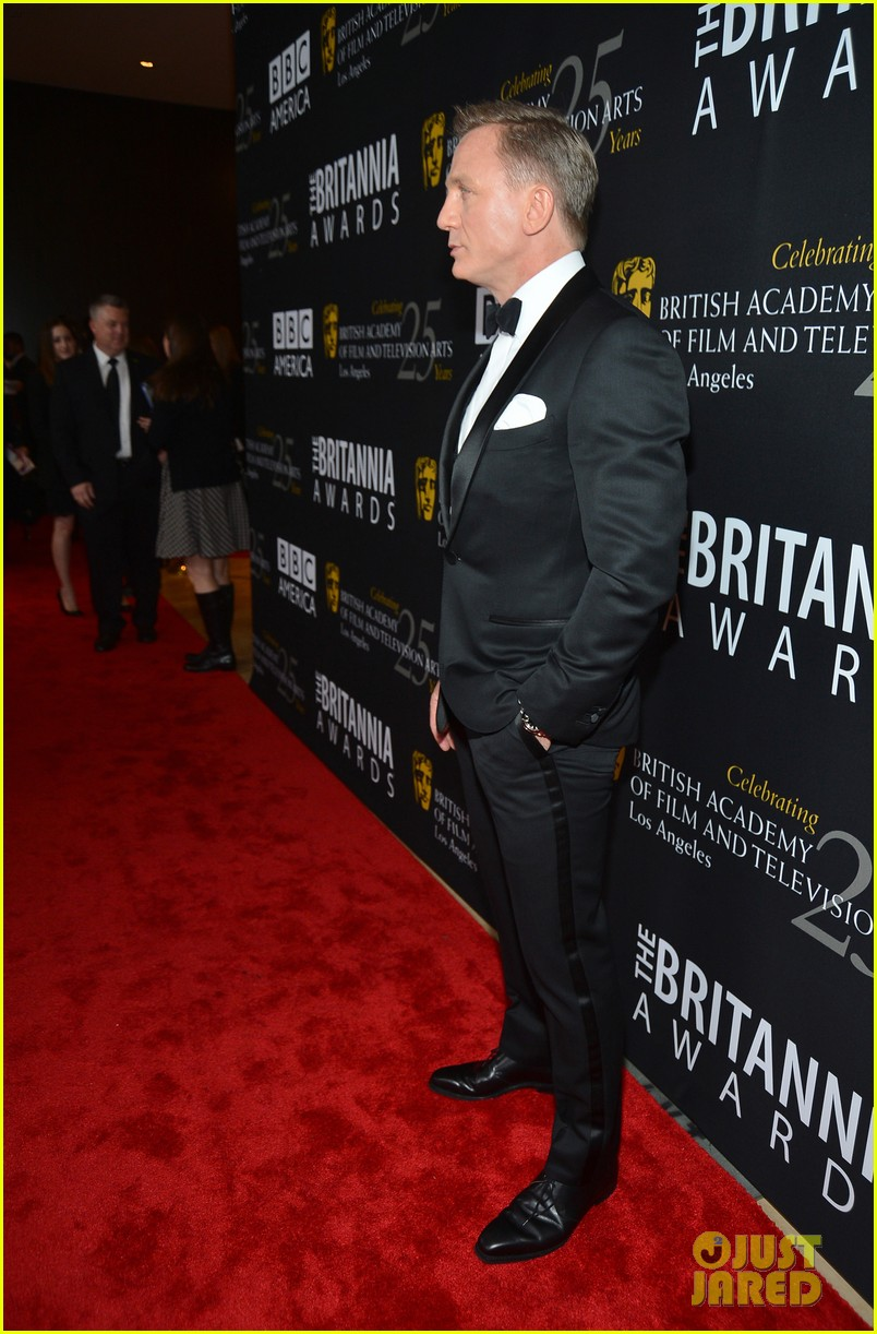 daniel craig bafta britannia awards with skyfall cast 25