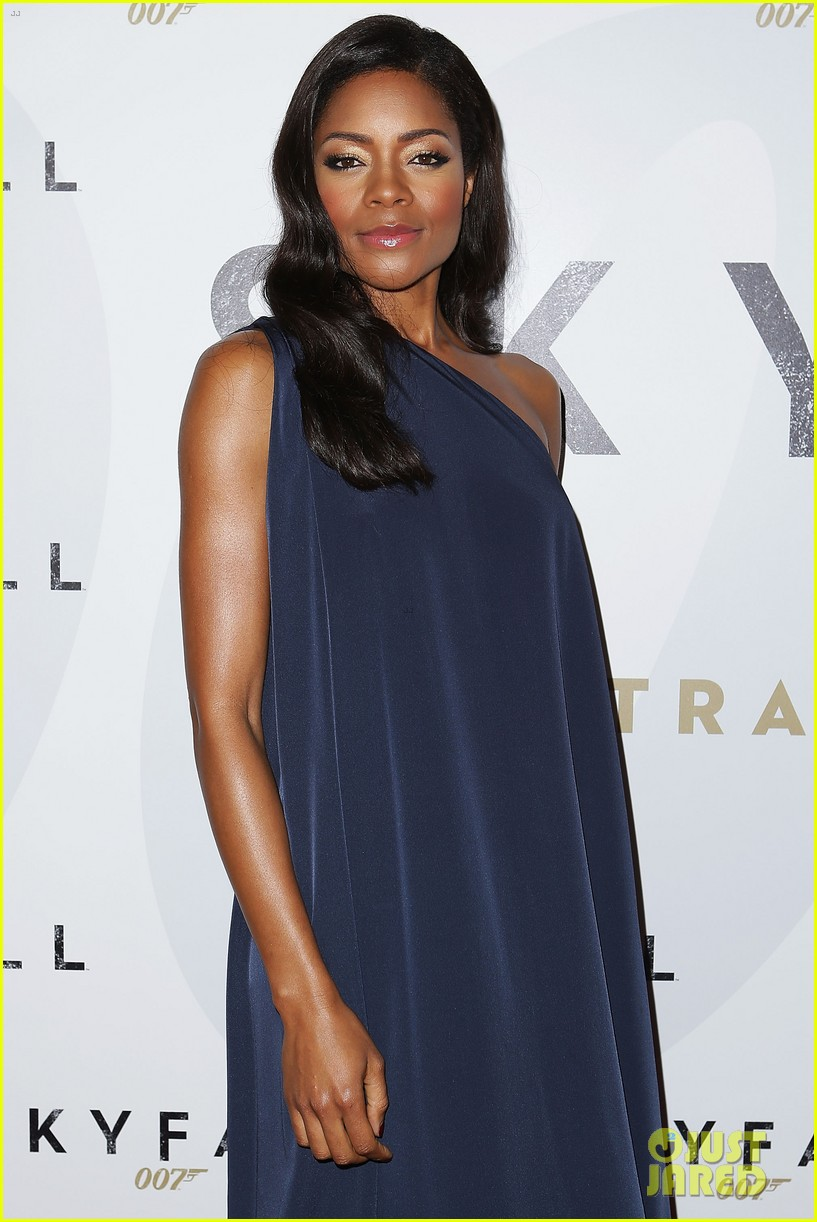 daniel craig naomie harris skyfall australia premiere 11