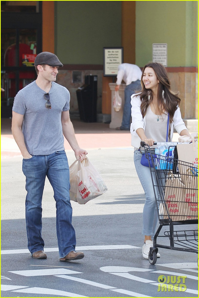 chace crawford matthew morrison hm store opening 012755023
