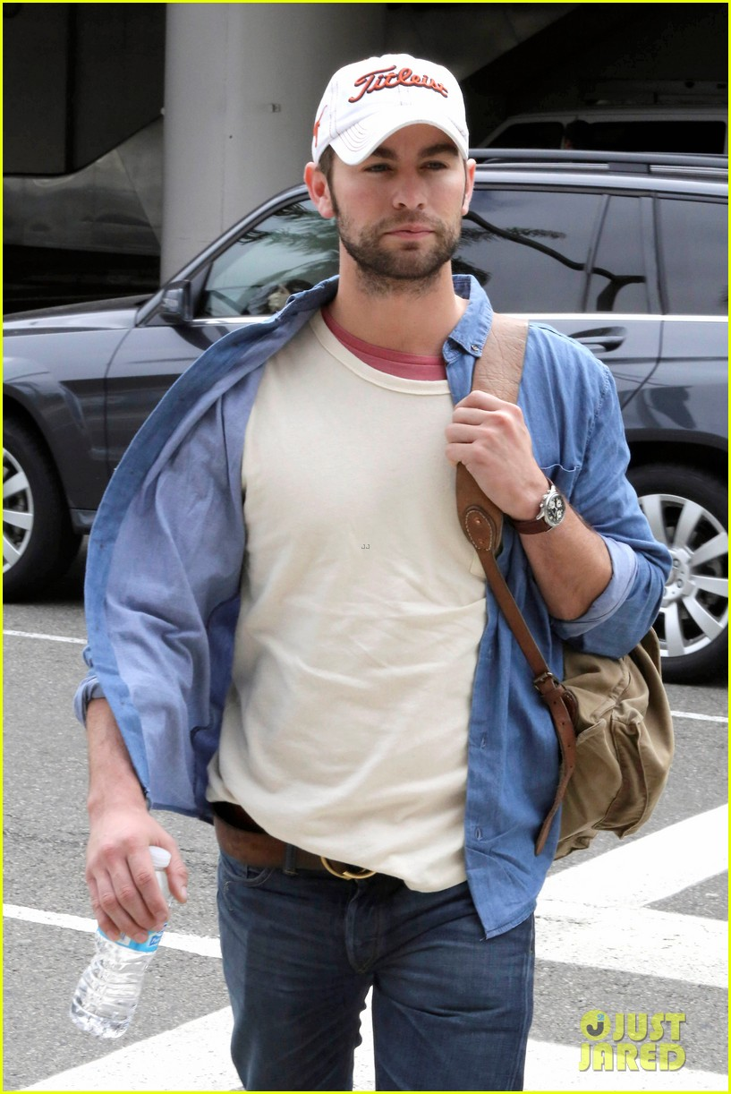 chace crawford matthew morrison hm store opening 16