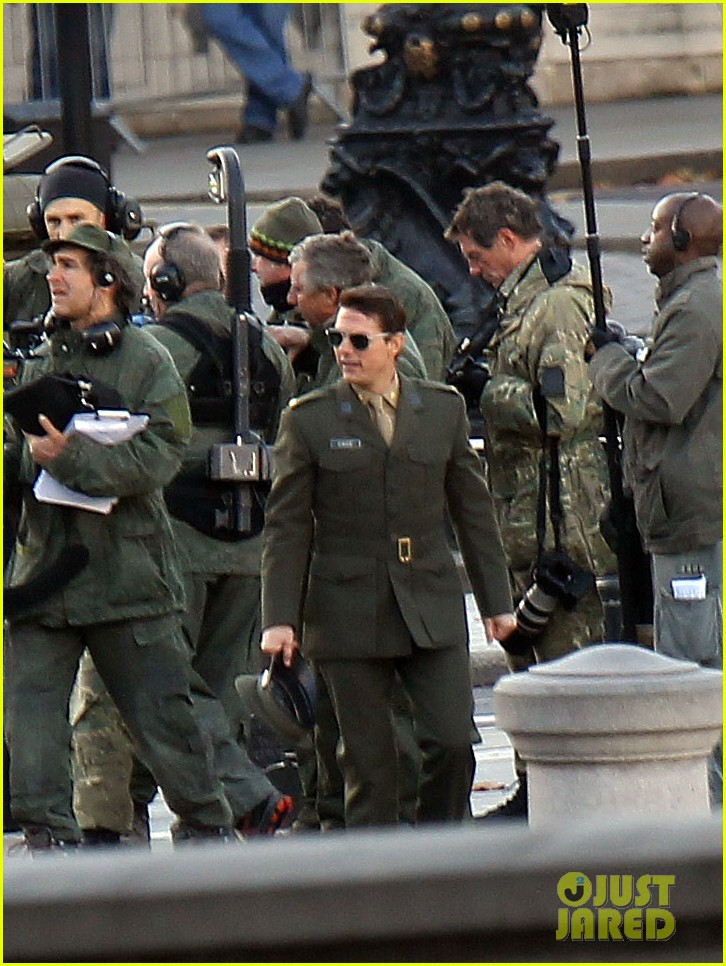 tom cruise military attire for all you need is kill 042763556