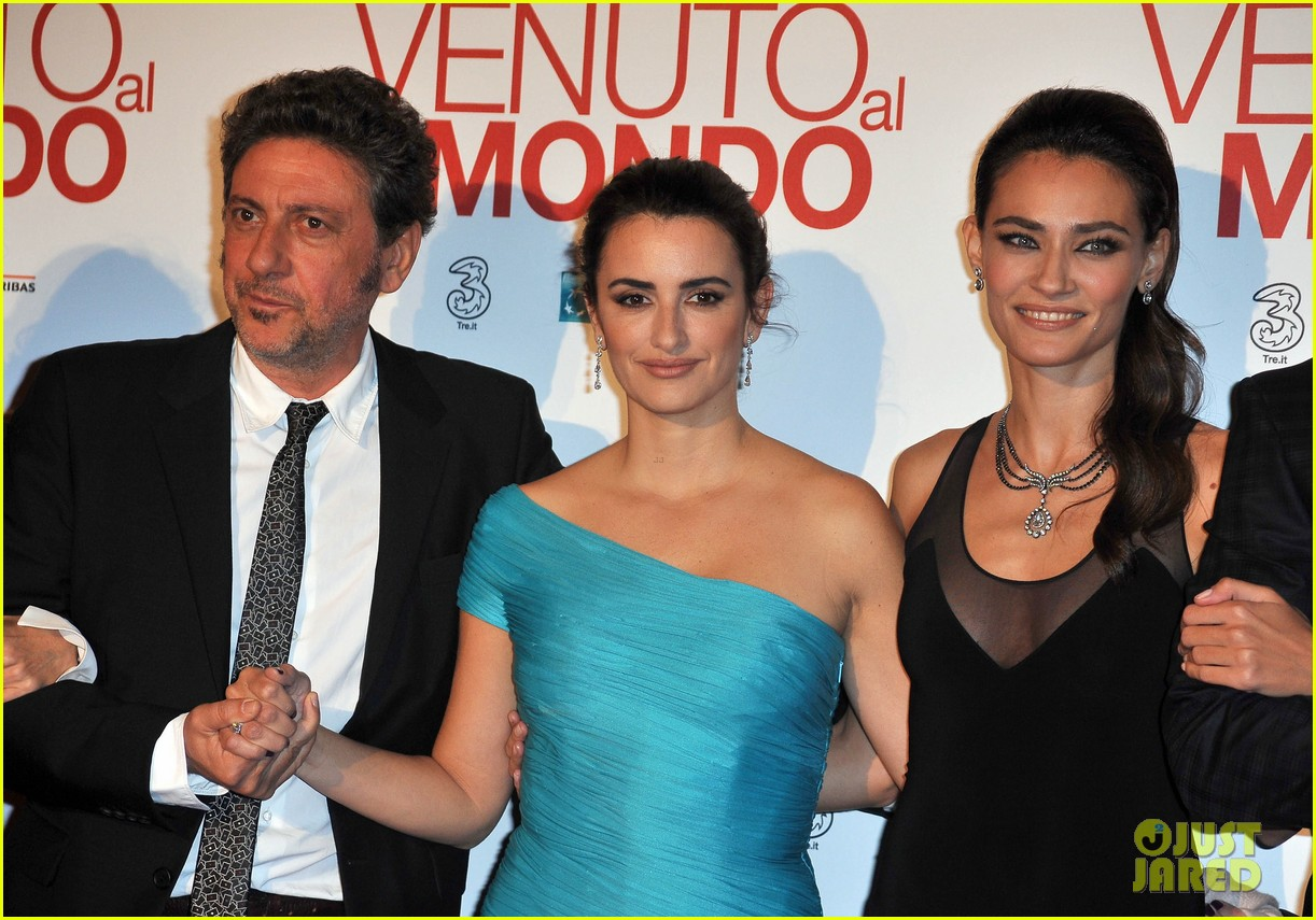 penelope cruz twice born rome premiere 07