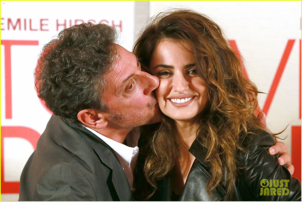 penelope cruz twice born rome photo call 04